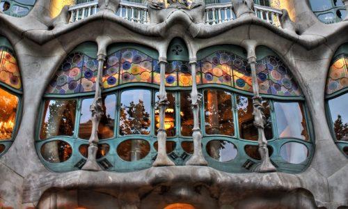 Casa Batlló, Vestida de Arte por ANTONI GALDÍ