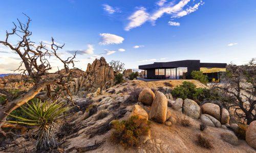 The Black House: UMA SOMBRA no Deserto