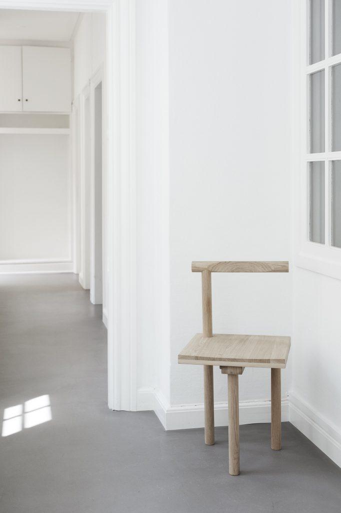 sculptural-chair-by-kristina-dam-studio