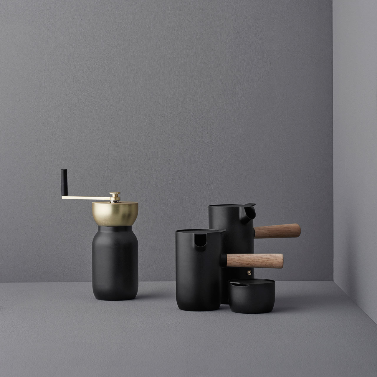 the-collar-collection-by-daniel-debiasi-and-federico-sandri-something-design-studio-for-stelton